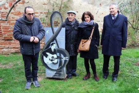 S Azem jardin commémoration16janvier2016 3